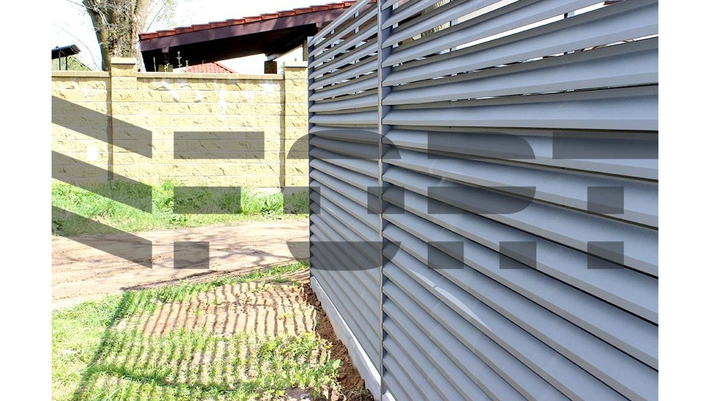 горизонтальные  металлические заборы fort comfort