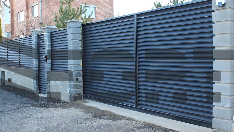 забор из металлических  панелей  fort comfort